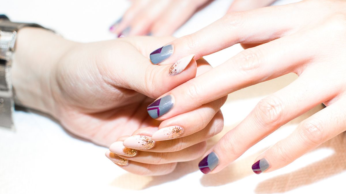 9 Glitter Nail Polishes Perfect for New Year's Eve Parties