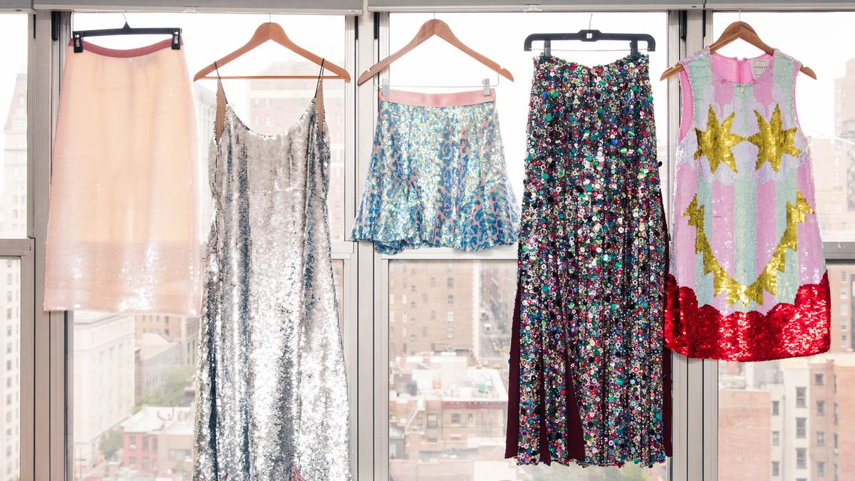 shop holiday looks currently on sale the outnet
