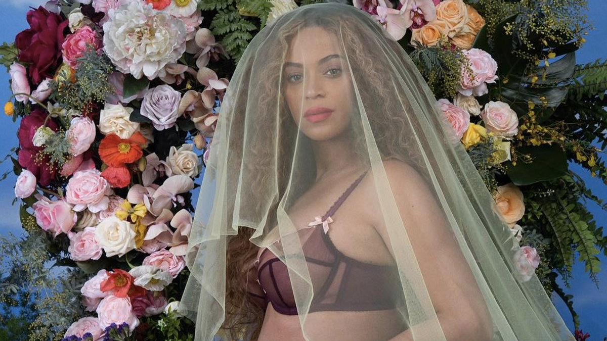 OMFG Beyoncé Is Pregnant With Twins
