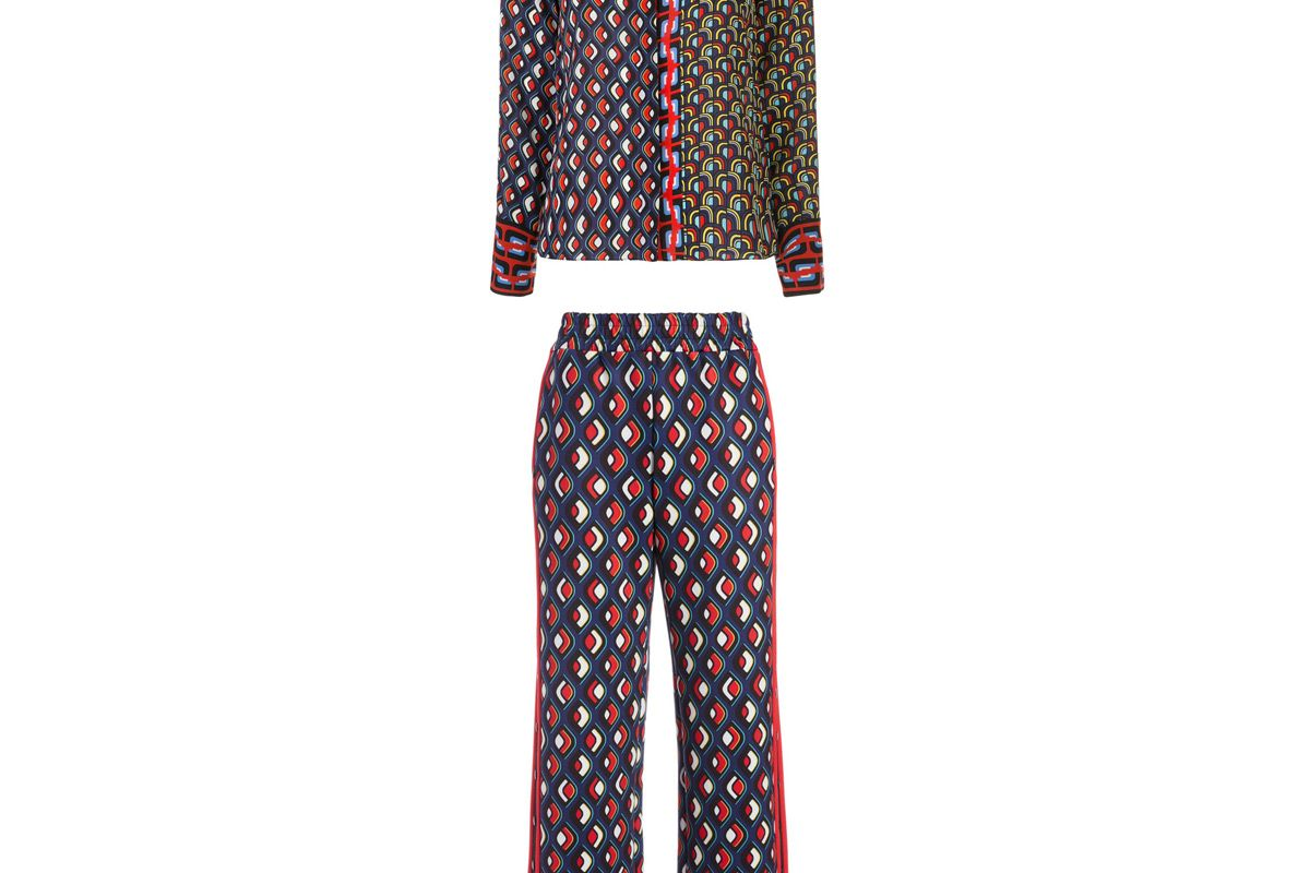 alice and olivia willa large collar placket top and alice and olivia benny side stripe track pant