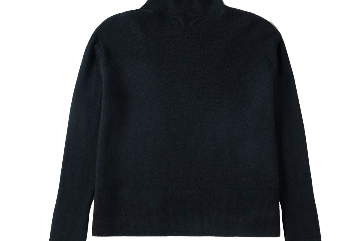 everlane cashmere square turtleneck