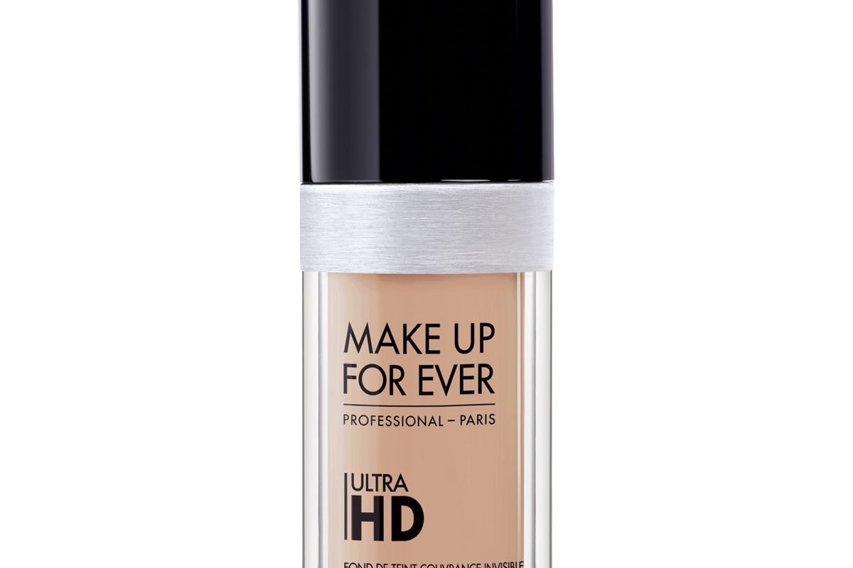 Ultra HD Invisible Cover Foundation in Y305