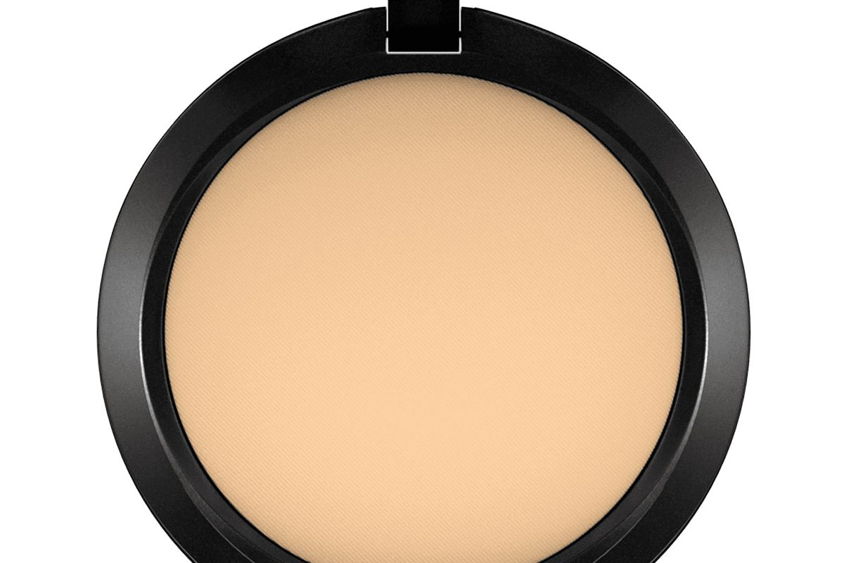 mac powder plus foundation