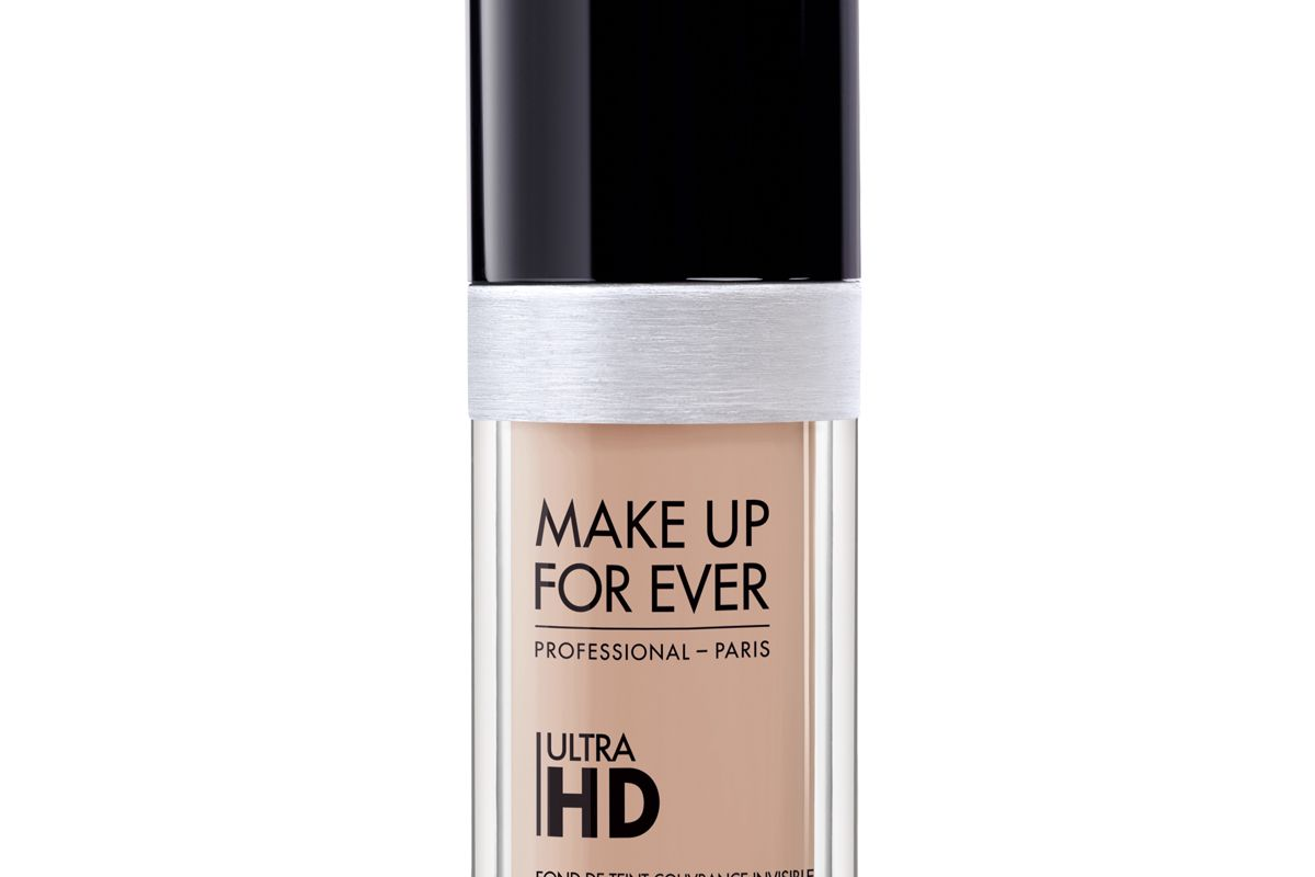 Ultra HD Invisible Cover Foundation in R230