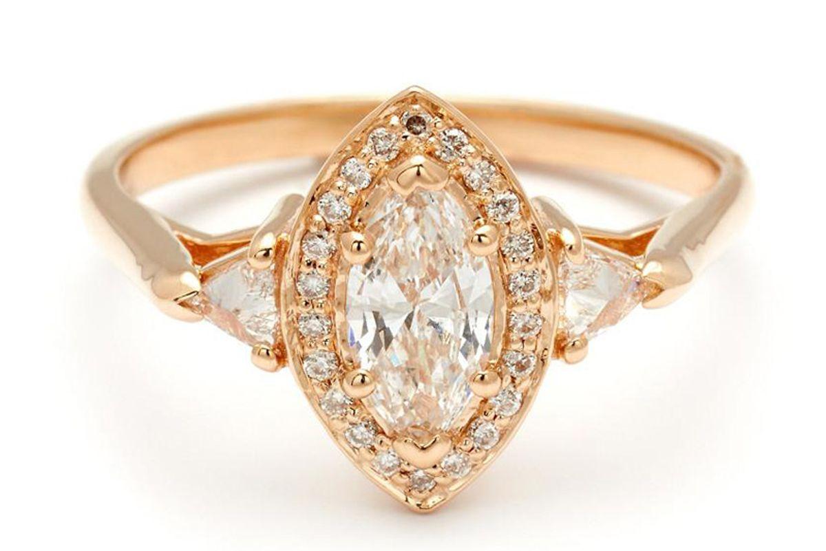 Marquise Bea Halo Ring Yellow Gold & White Diamond