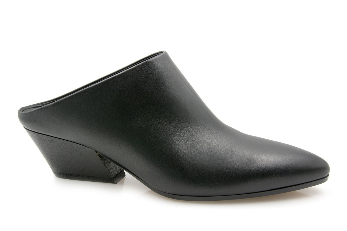 Vigo Mule in Black