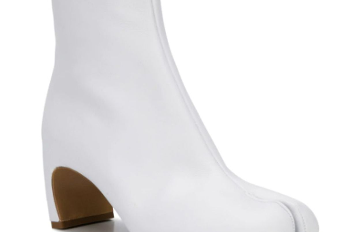 maison margiela tabi zipped ankle boots