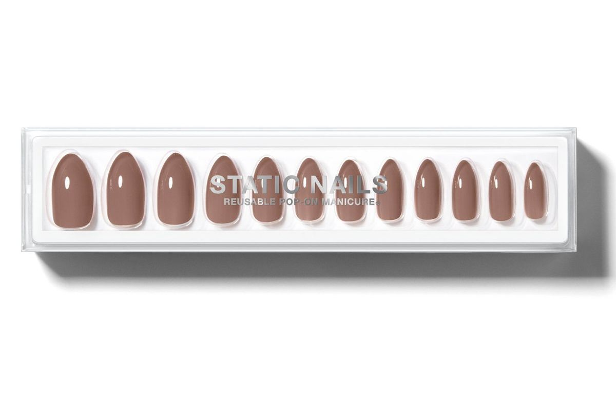static nails fawn almond