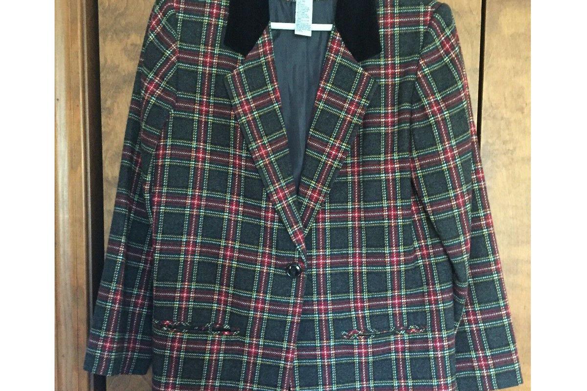 sag harbor vintage plaid blazer with velvet collar
