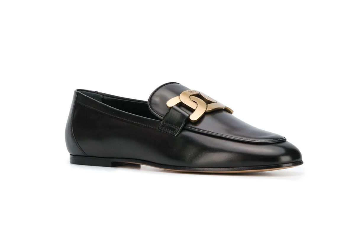 tods chain strap loafers