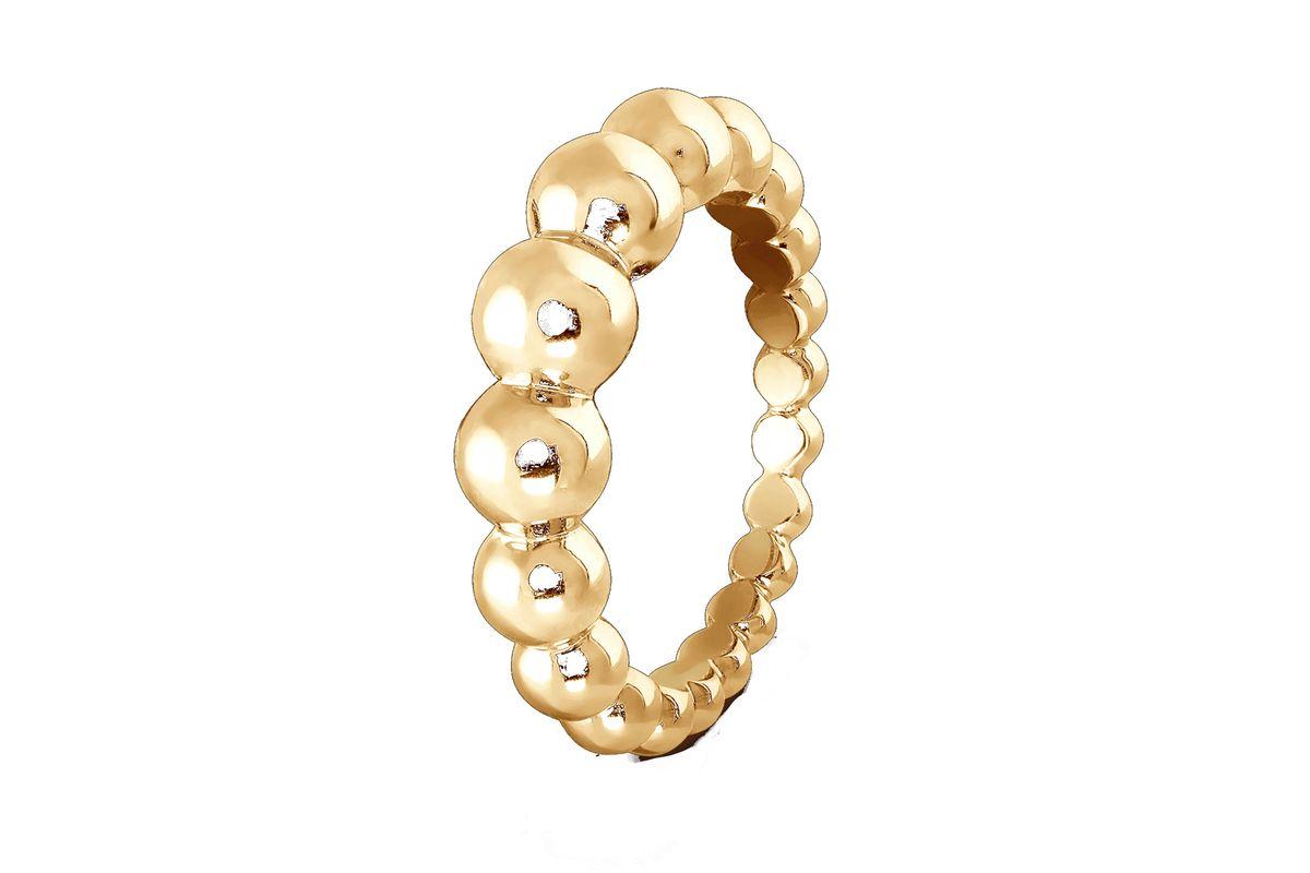van cleef and arpels perlee pearls of gold variation ring