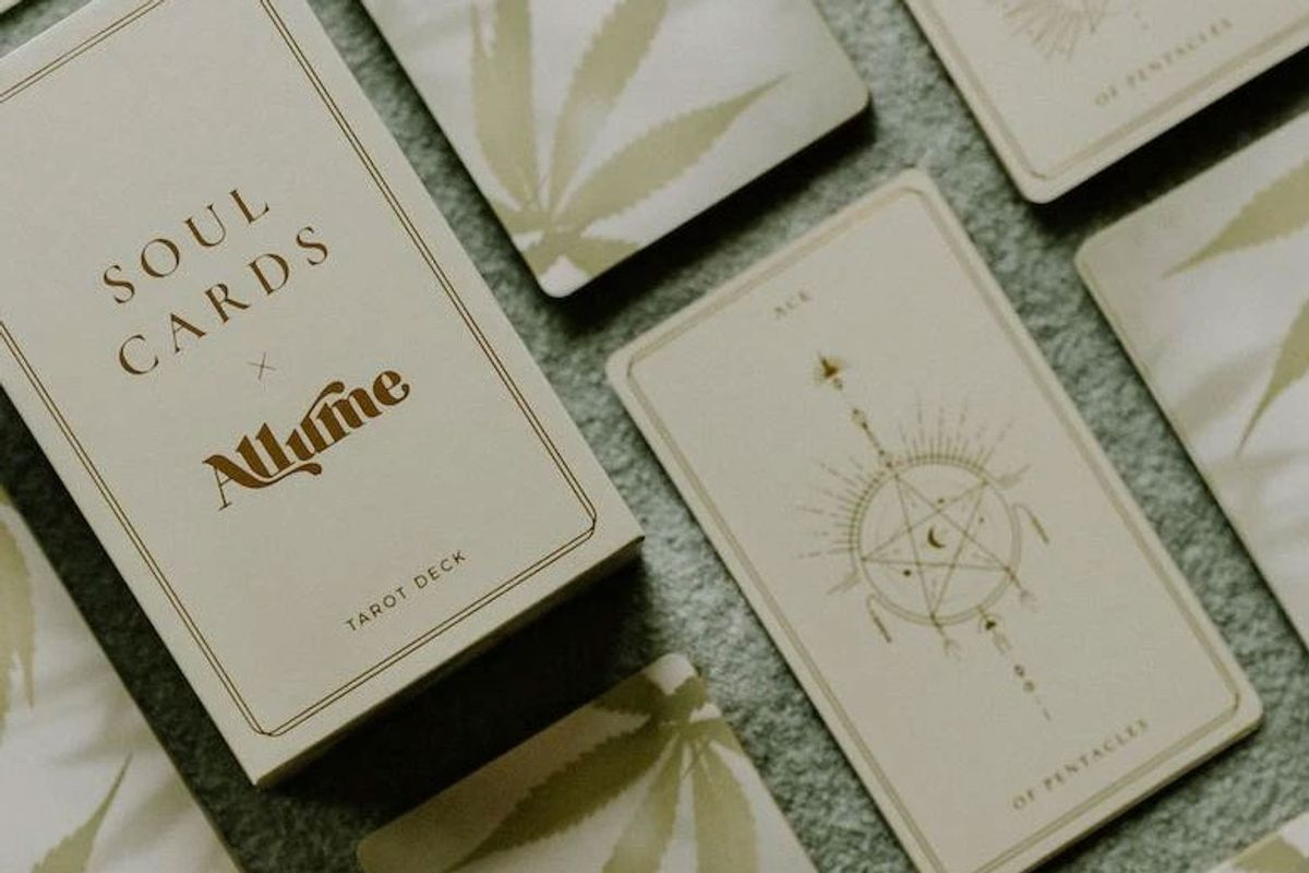 allume green dream tarot deck