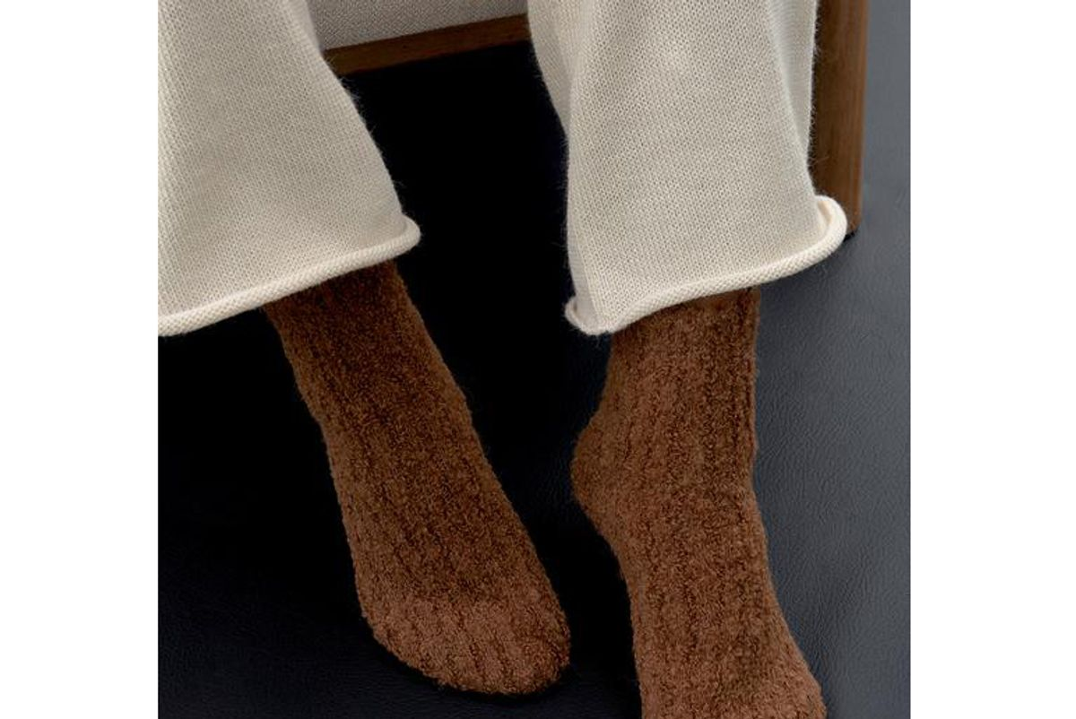 wol hide house socks