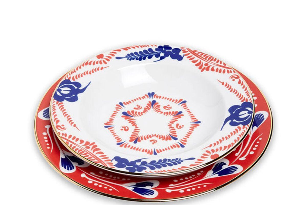 la doublej soup and dinner plates set