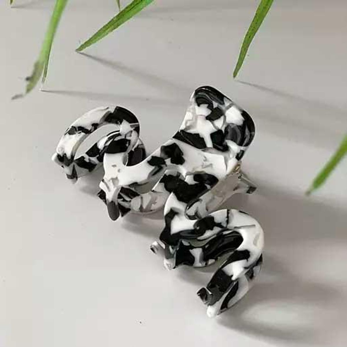 asos design hair clip claw in mono resin