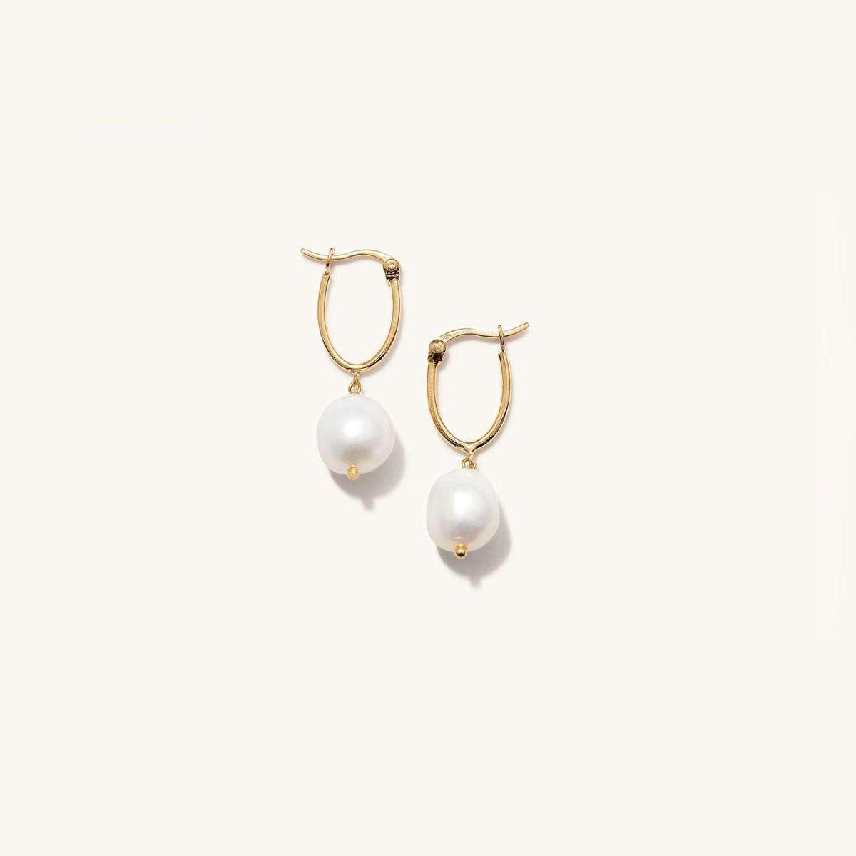 mejuri organic pearl hoops