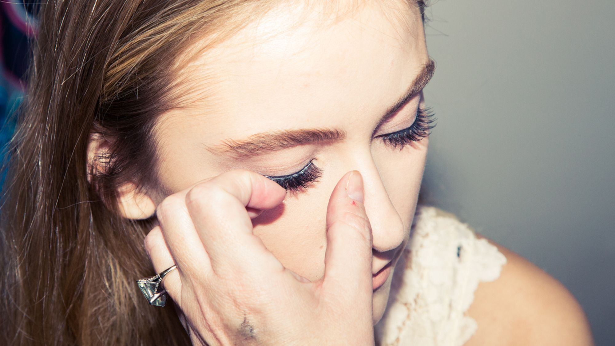 false eyelash extensions