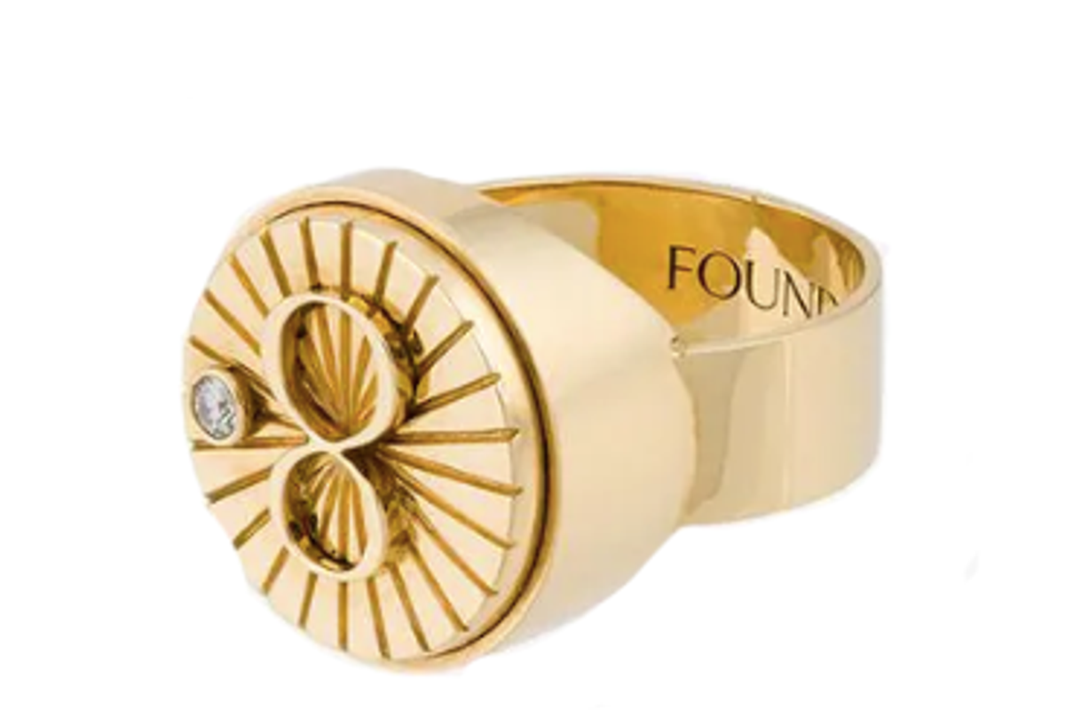 foundrae karma signet ring