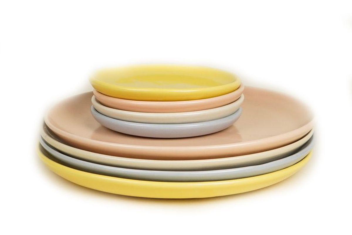 helen levi sunrise set dinner plates