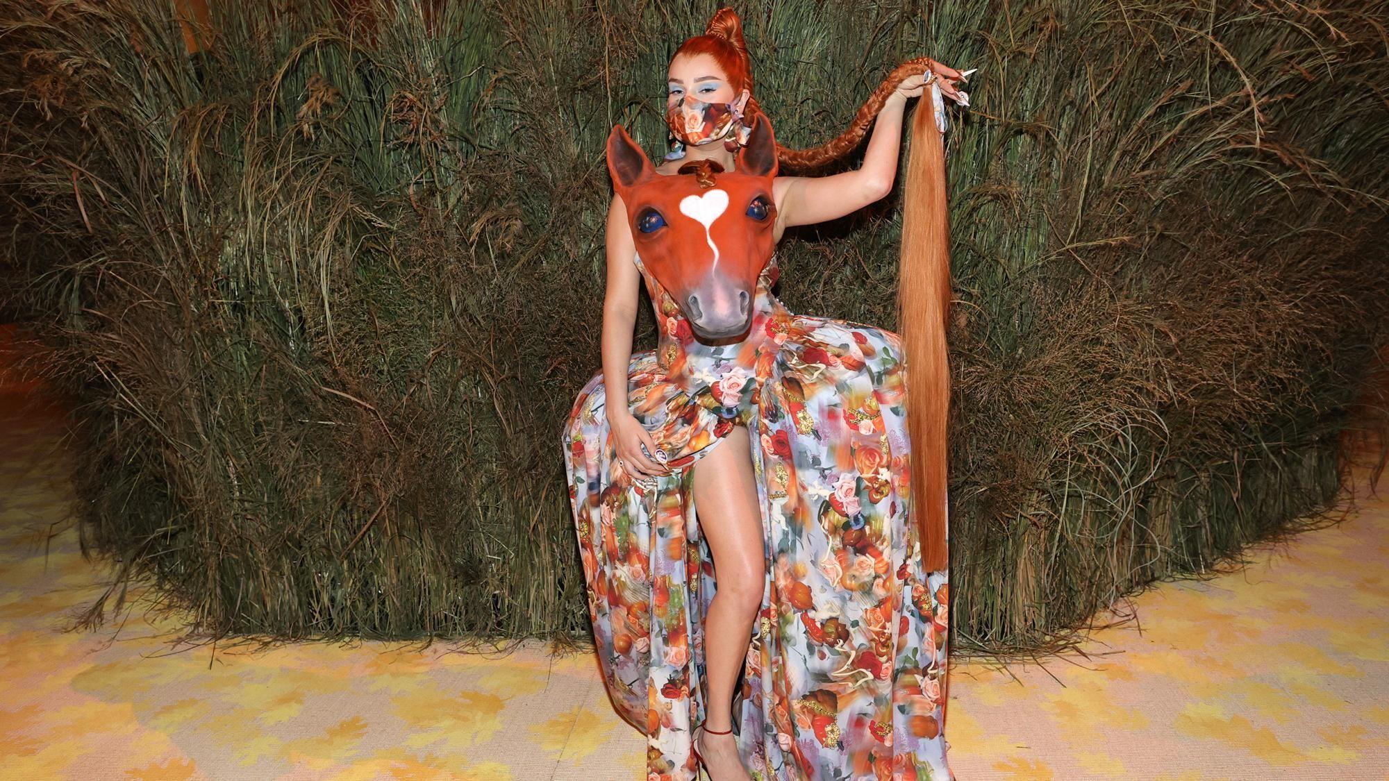 horse girl fashion