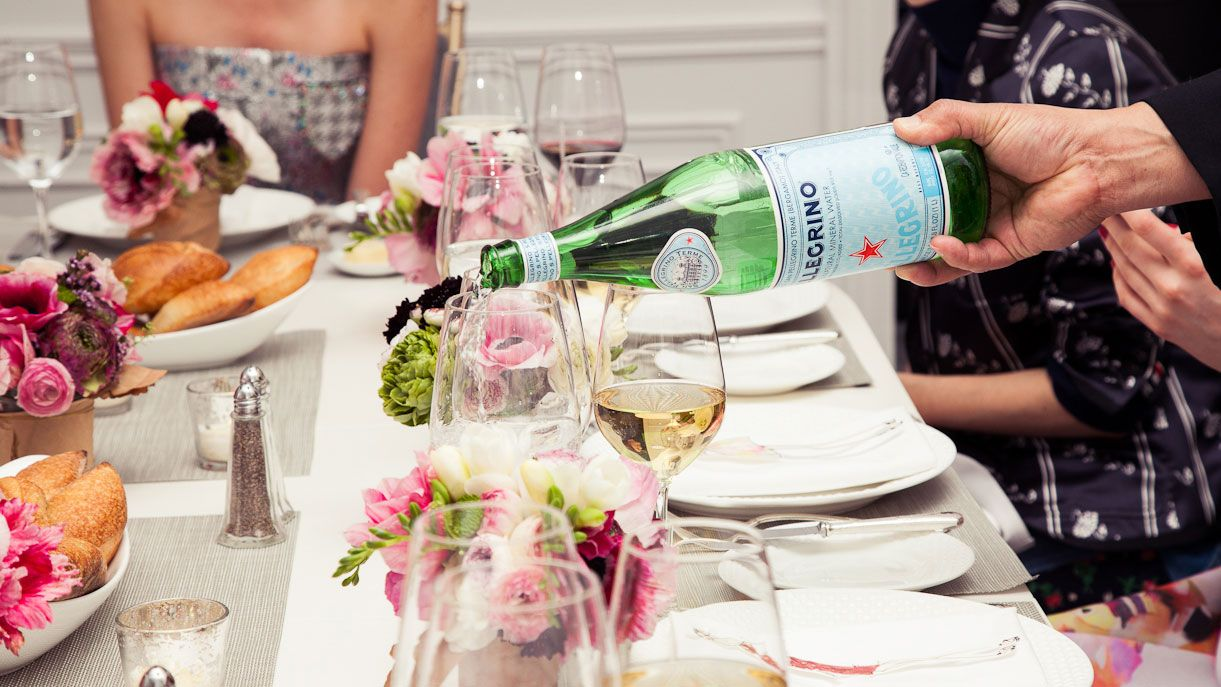 how to host a parisian dinner party