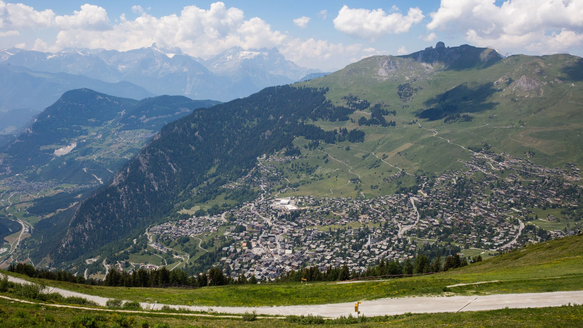 6 Reasons to Make Switzerland Your Next Vacation Spot