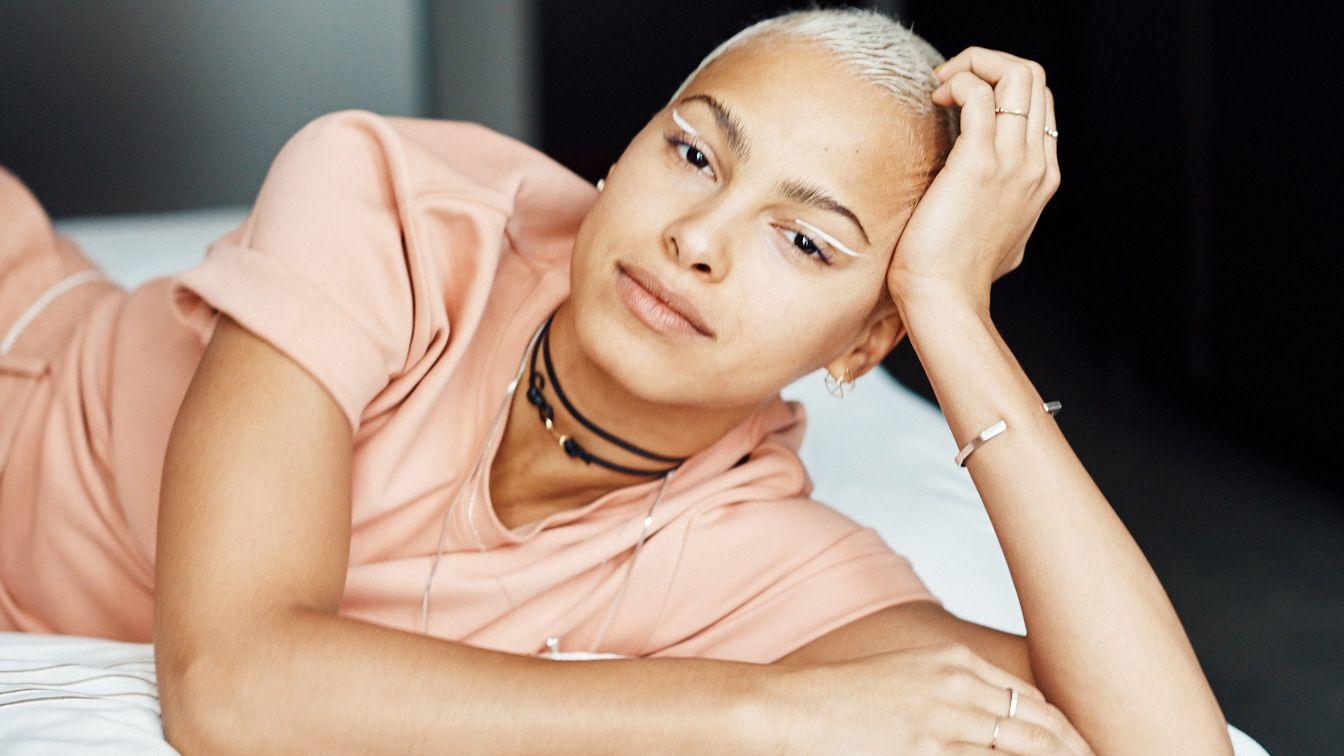Model Kota Eberhardt Has the Best Tricks for Depuffed Under-Eyes & Larger-Looking Lips