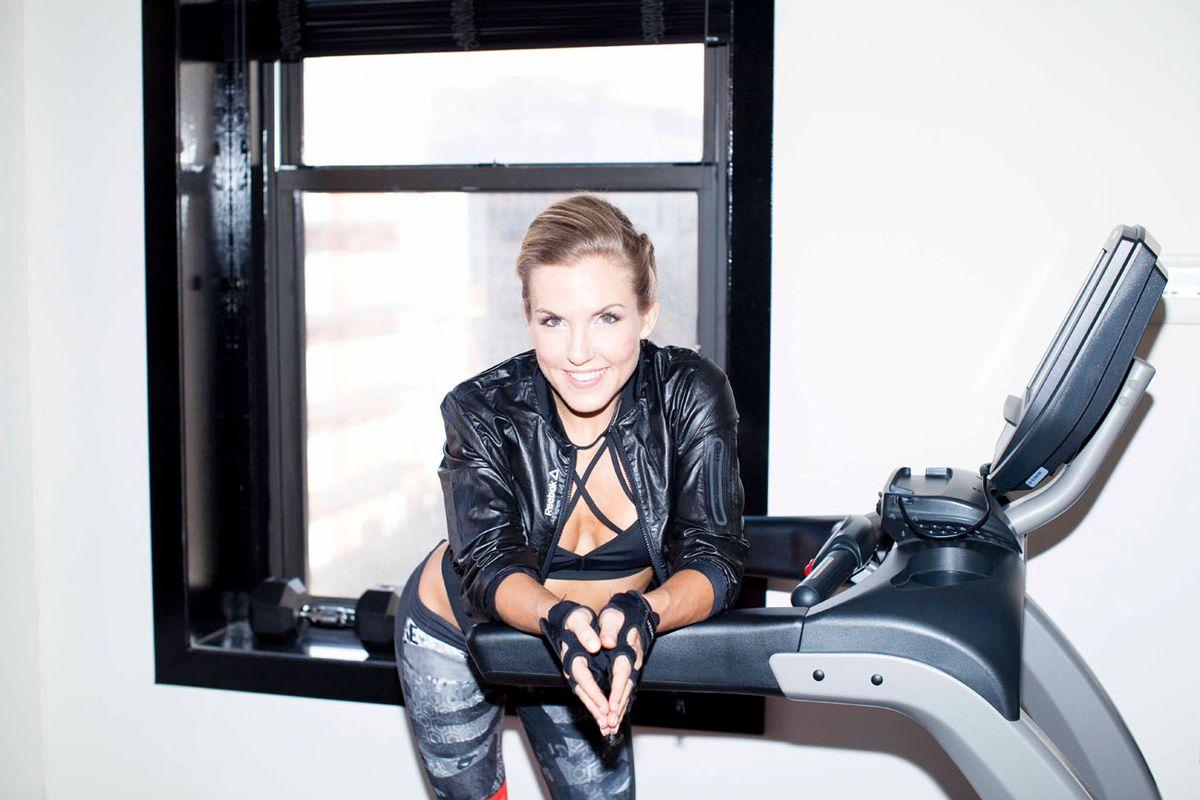 Shakira's Trainer Hates Colonics; Loves Ice Cream & Wine
