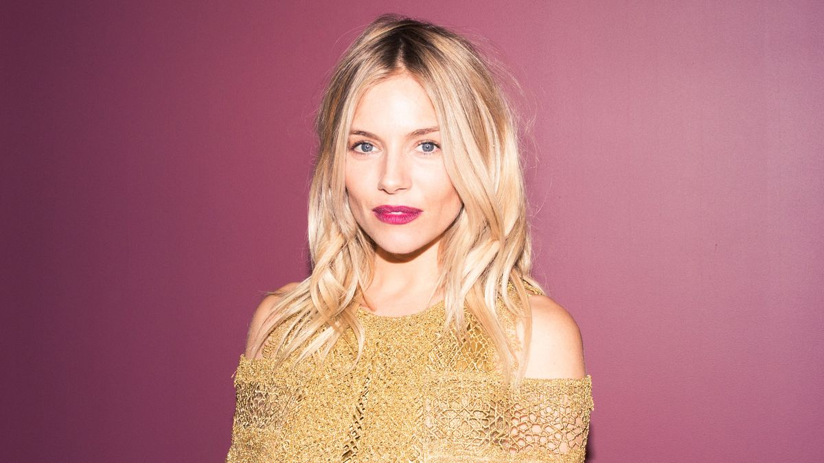 Sienna Miller on British Style, Knickers, and Her Beauty Routine