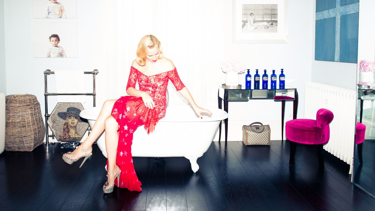 The Bedtime Routines of 4 Fashion & Beauty Editors