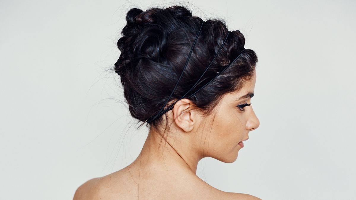3 Pretty Holiday Hair Looks and How to Pull Them Off