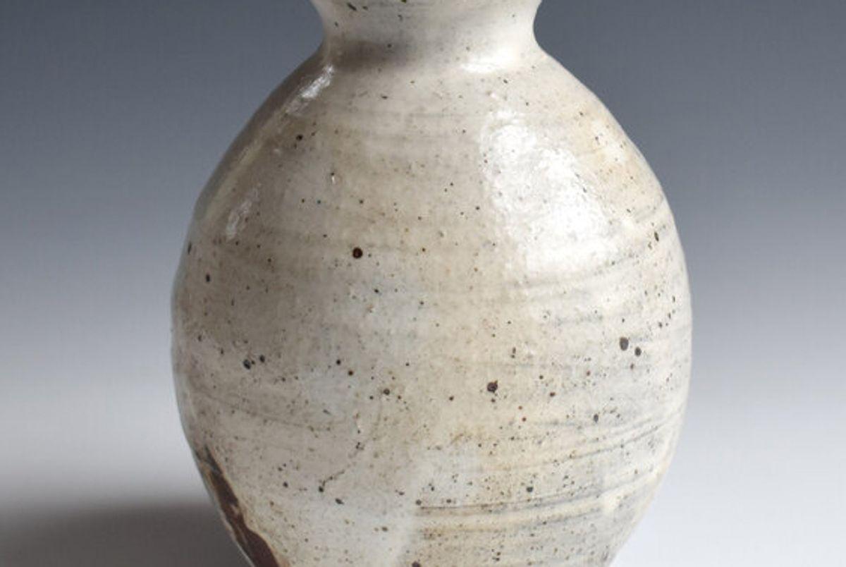 merry farm pottery bud vase