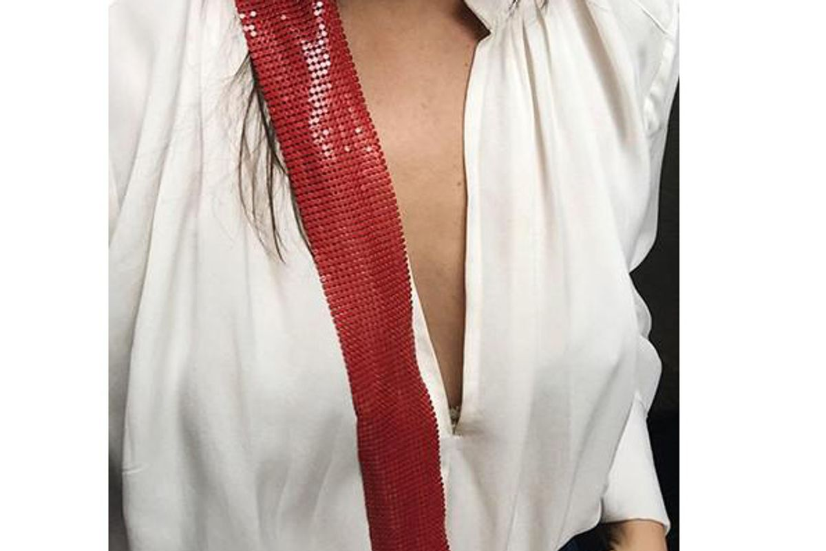 Foxy Mesh Scarf in Red