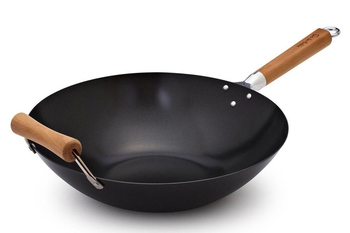 sur la table professional nonstick wok