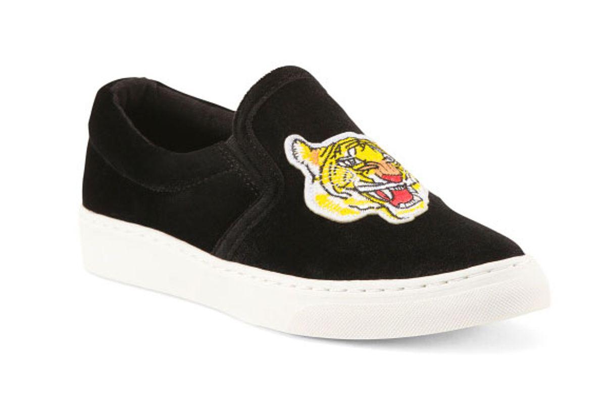 Tiger Patch Velvet Slip On Sneakers