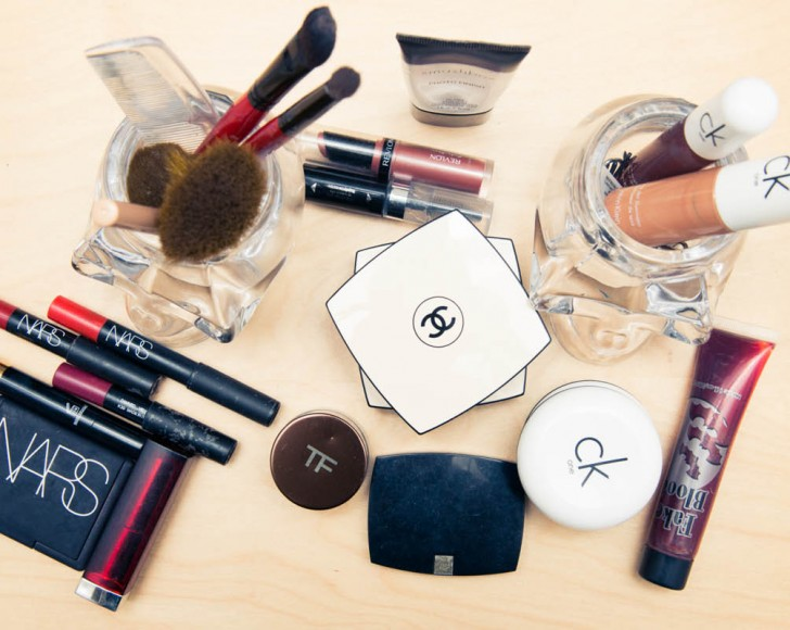 264ba723f8a4c7 What Every Model Has in Their Beauty Bag - The Coveteur - Coveteur
