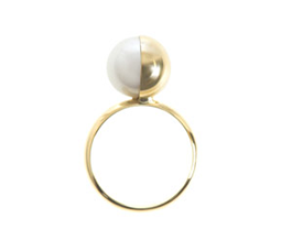 MG Tasaki White Pearl & Yellow Gold Ring