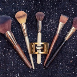 The Definitive Makeup Brush Guide
