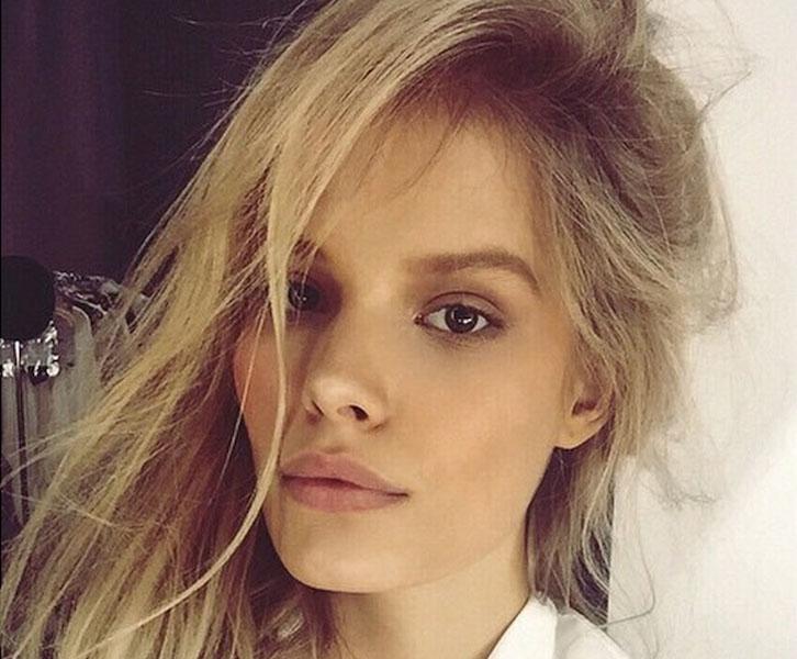 Alena_Blohm-The_Coveteur-Model_Selfies-05-2