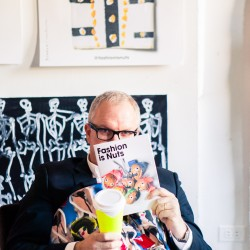 "Deskside: Donald ""Drawbertson"" Robertson"
