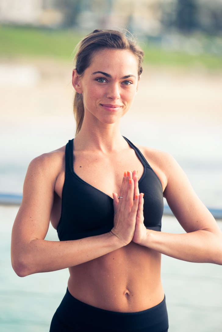An Energizing Yoga Flow To Get You Through Today - The