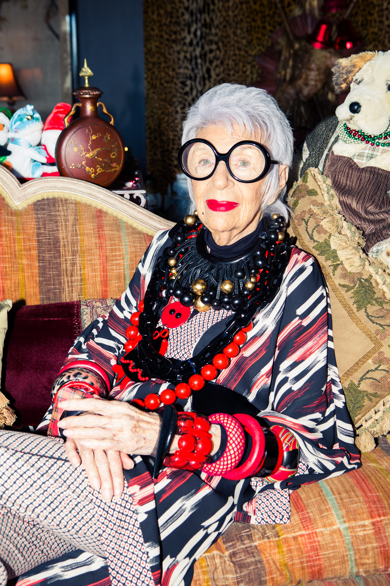 10 lessons to live by from iris apfel coveteur. Black Bedroom Furniture Sets. Home Design Ideas
