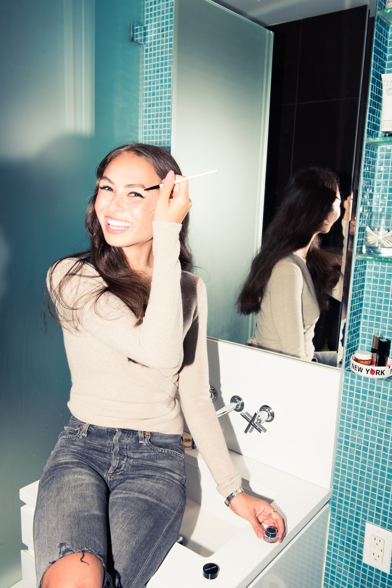 New Pioneer Travel >> Sporty & Rich's Emily Oberg Shares Her Morning Beauty Routine - Coveteur