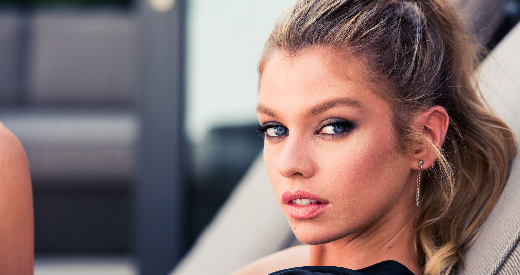 Stella Maxwell's Morning Routine is Actually Just Like Yours