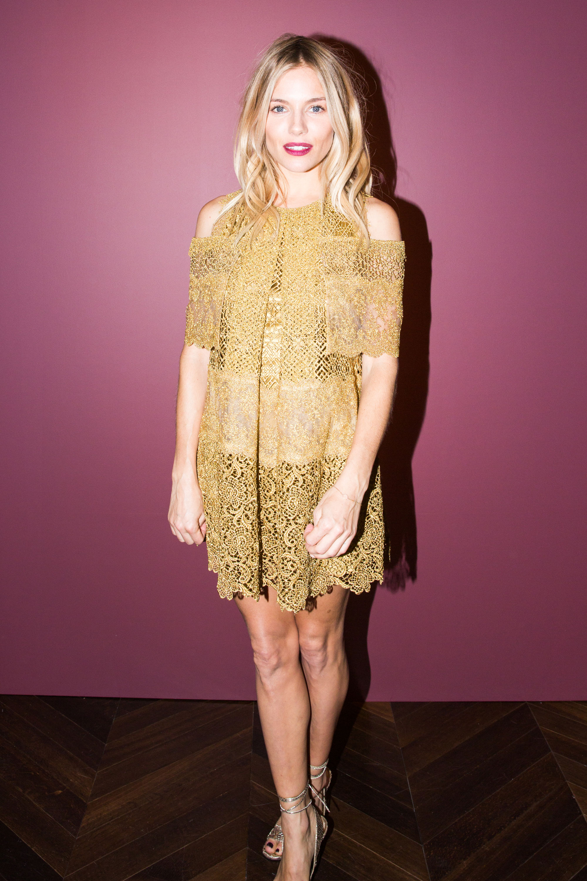 Sienna Miller On Her Style, Beauty Routine, and More ...
