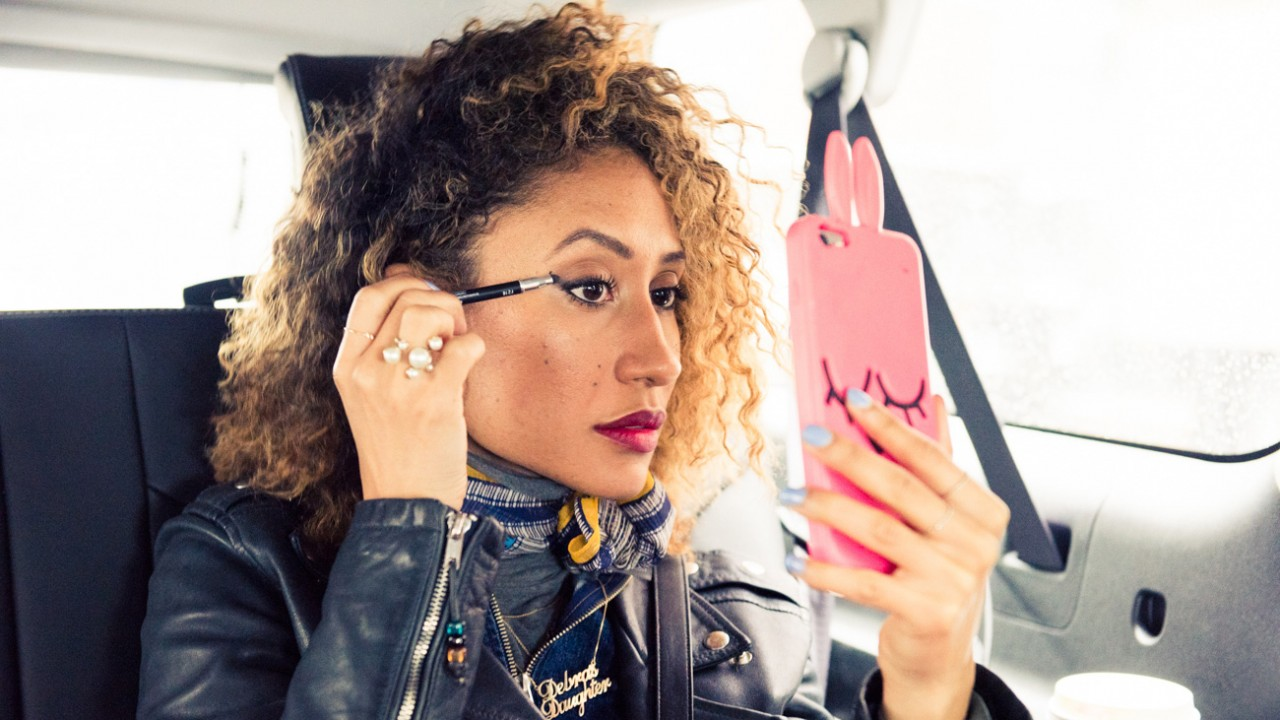 The *One* Hair Trick <em>Teen Vogue</em>'s Elaine Welteroth Relies On All Winter