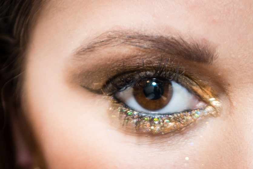 holiday glitter makeup