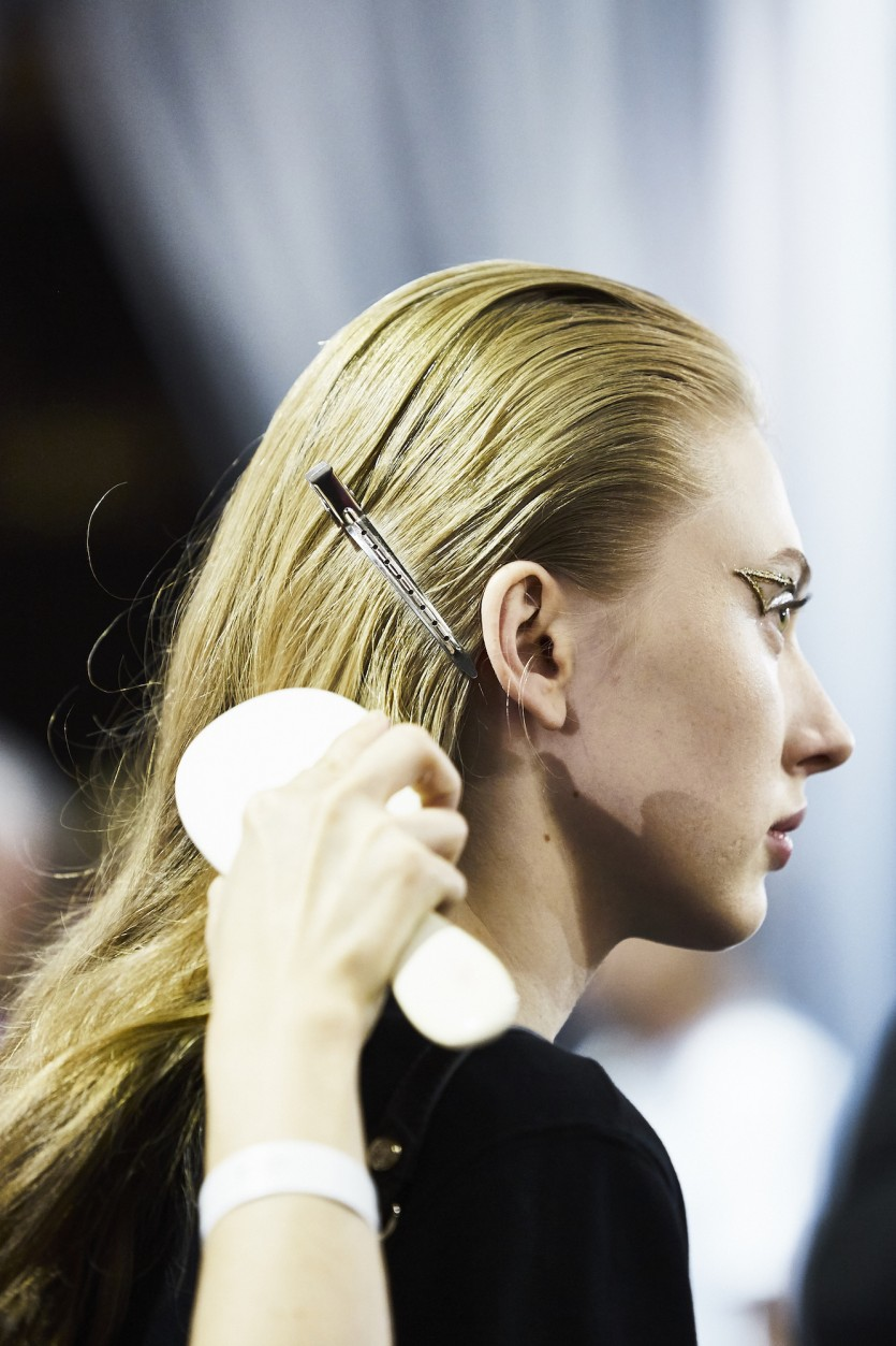 Backstage At Viktor & Rolf\'s Spring 2017 Couture Show - Coveteur