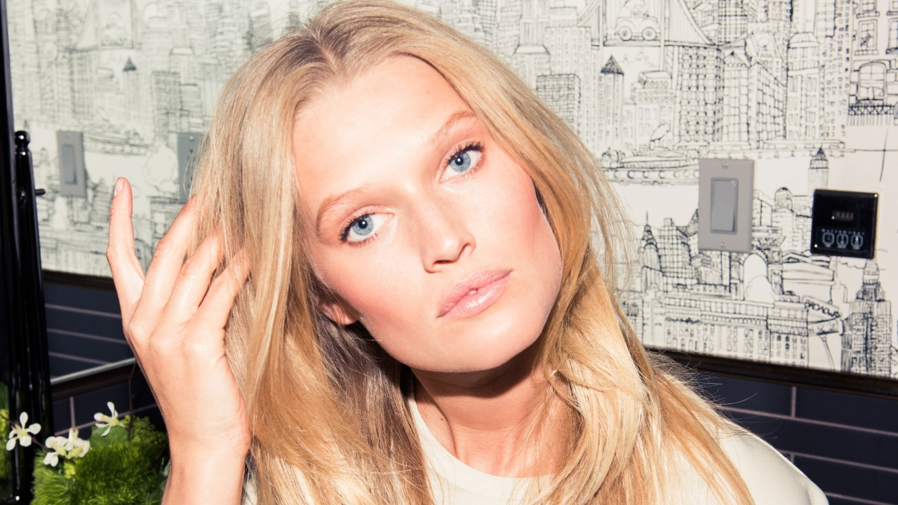 Toni Garrn Will Never Dye Her Hair