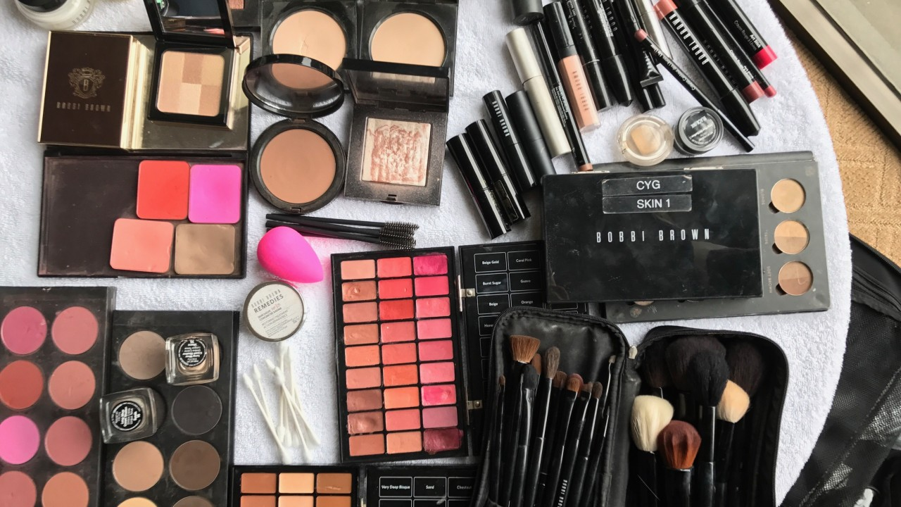 A Day in the Life of Kate McKinnon's Makeup Artist on Oscars Day